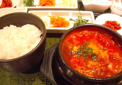 東京純豆腐スンドゥブ
